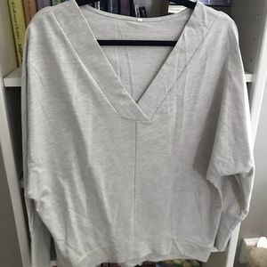 Grey neck sweatshirt